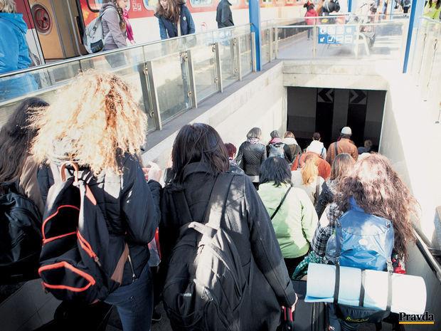vlaky-zeleznice-stanica-doprava-bratislava-nestandard2