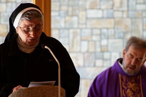 Sestra Mária Bonaventúra Šmídová a kňaz Peter Rúčka na 35. výročí spomienky na Akciu Vír